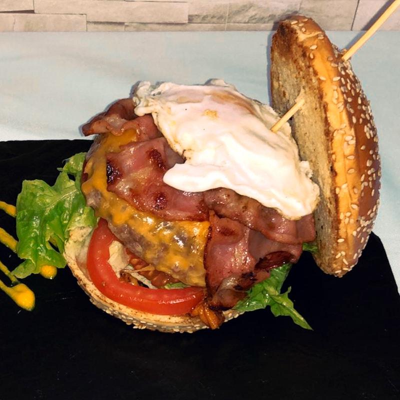 Hamburguesa de Ternera Clásica - La Burguesita Restaurante para niños en Boadilla del Monte