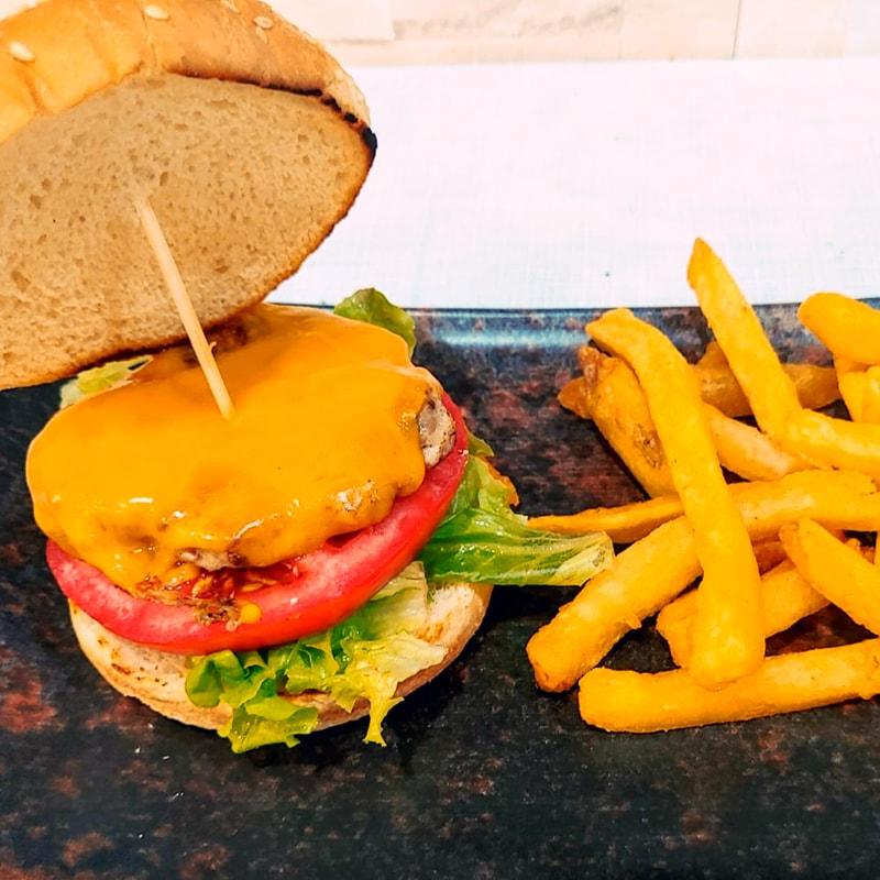 Menú infantil Hamburguesa de Pollo - La Burguesita Restaurante para niños en Boadilla del Monte