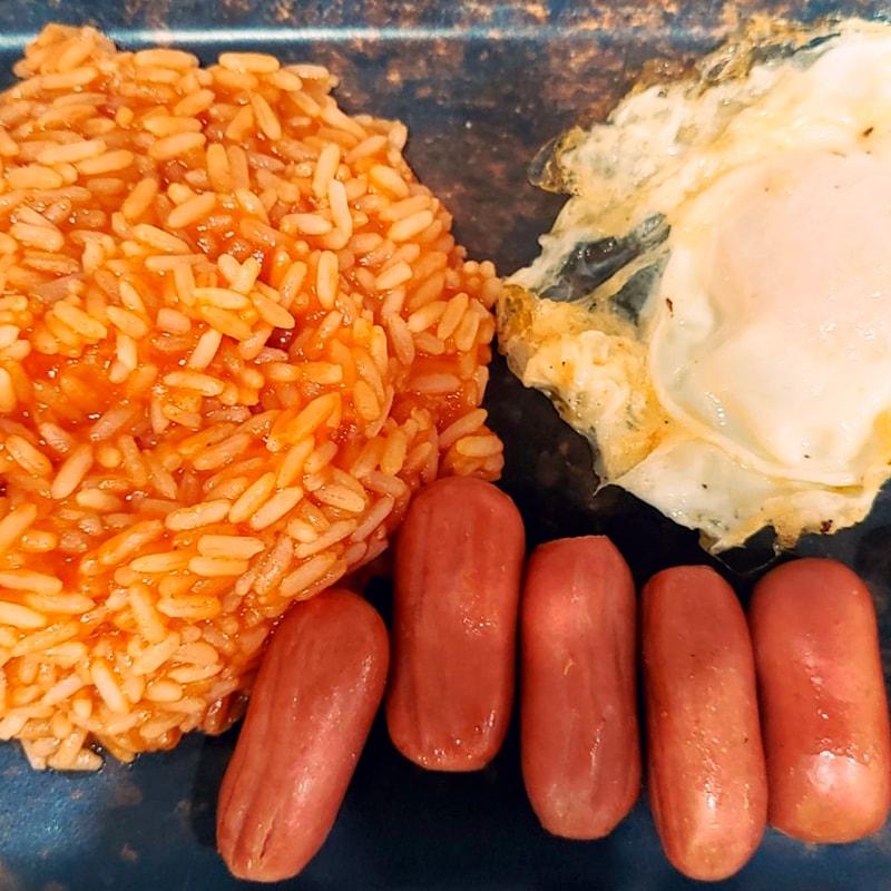 Menu infantil Arroz con Tomate - La Burguesita Restaurante para niños en Boadilla del Monte