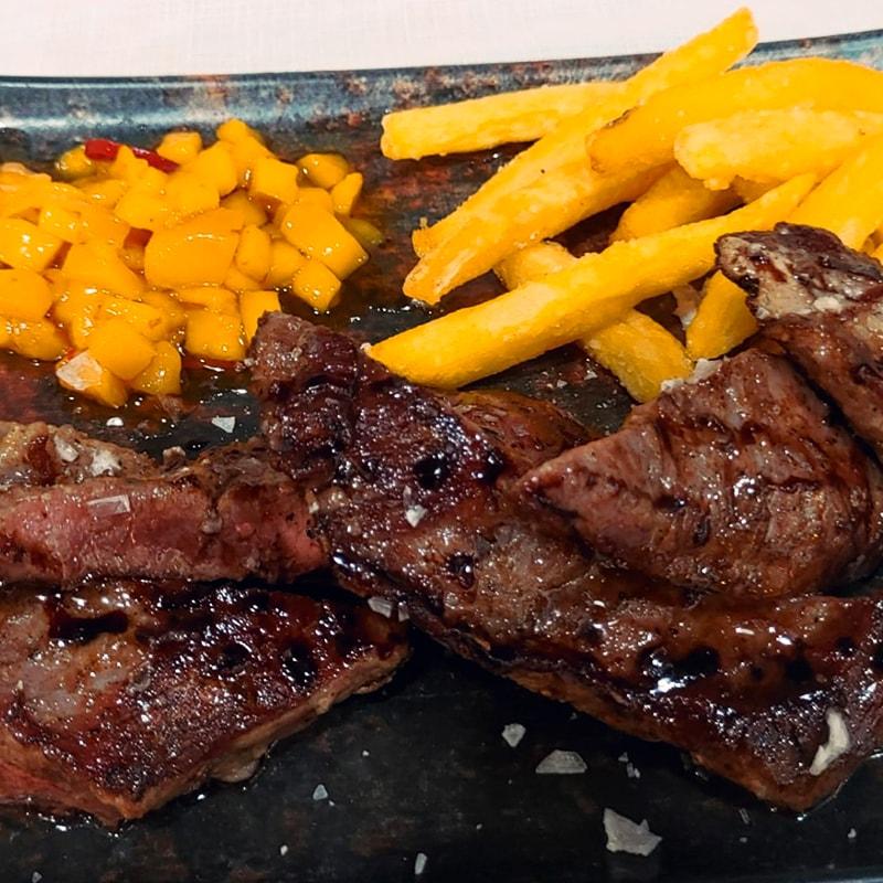 Secreto Ibérico - La Burguesita Restaurante para niños en Boadilla del Monte
