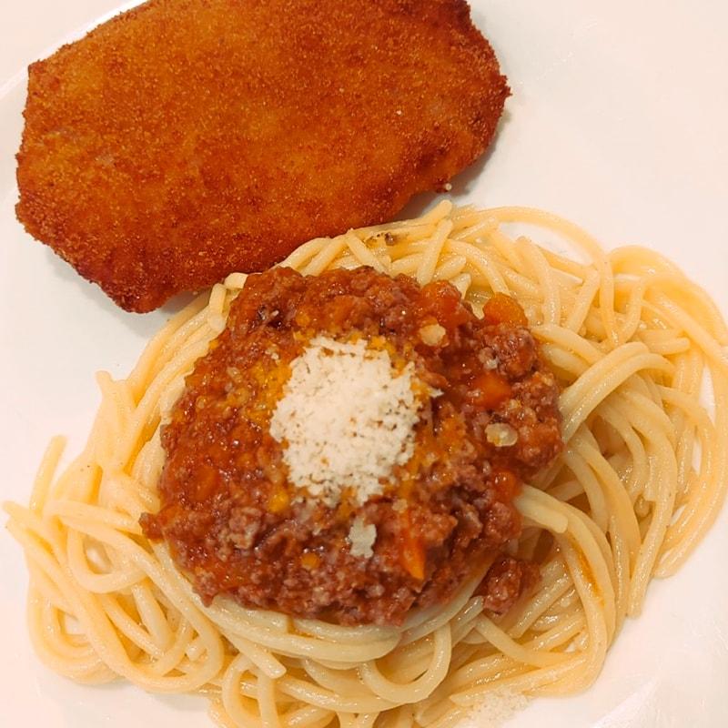 Menú infantil Espaguetis - La Burguesita Restaurante para niños en Boadilla del Monte Espaguetis -